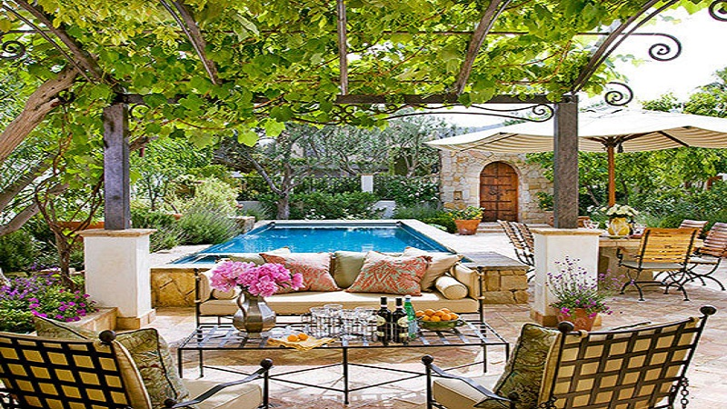 4 Smart and Affordable Tips for Decorating Outdoors 2