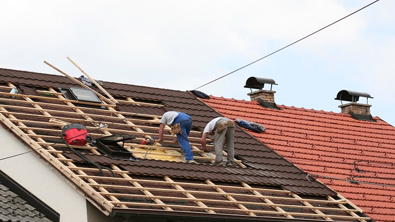 How to Save Money Off a Roofing Contract 2