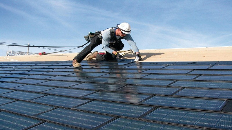 How to Save Money Off a Roofing Contract