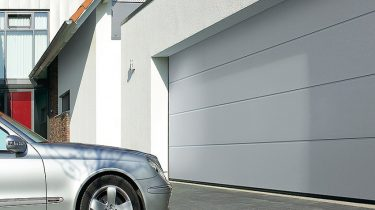 Garage Door Repair Services in Chatsworth