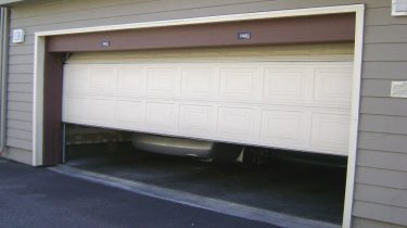 Garage Door Repair Services in Tarzana